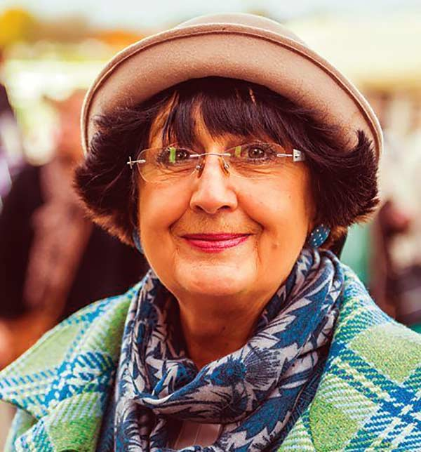 Image of Antiques Roadshow cast Anita Manning