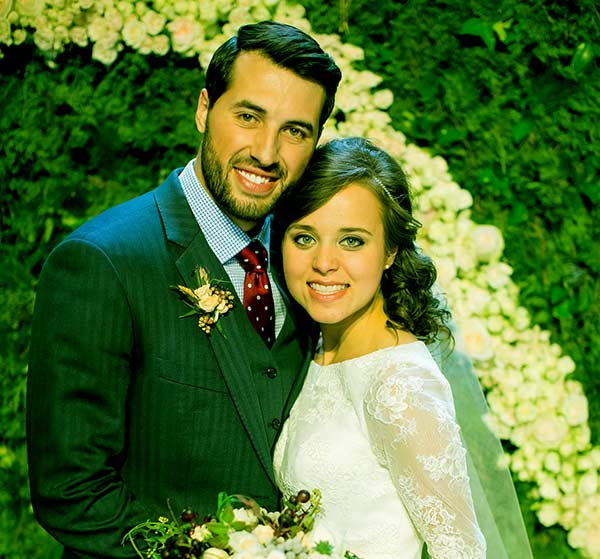 Image of Counting On cast Jinger and Jeremy Vuolo