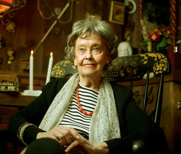 Image of Paranormal State cast Lorraine Warren