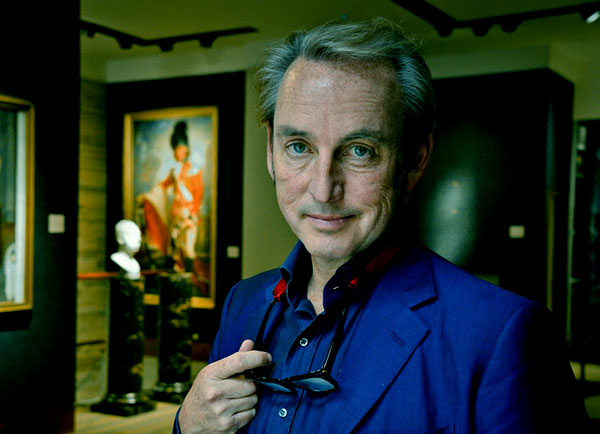 Image of Antiques Roadshow cast Philip Mould