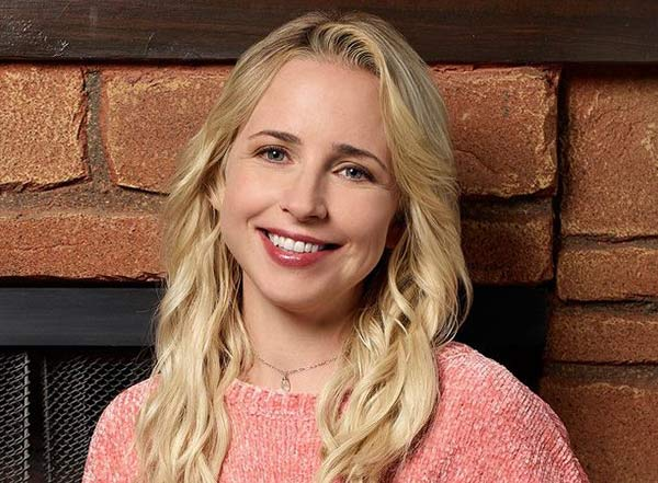 Image of The Conners cast Lecy Goranson