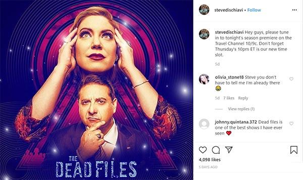 Image of Caption: Amy Allan and co-star Steve Dischiavi in The Dead Files season 12 trailer
