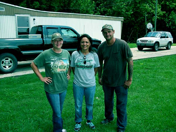 Image of Caption: Randy Edwards and Terri Edwards from Swamp People