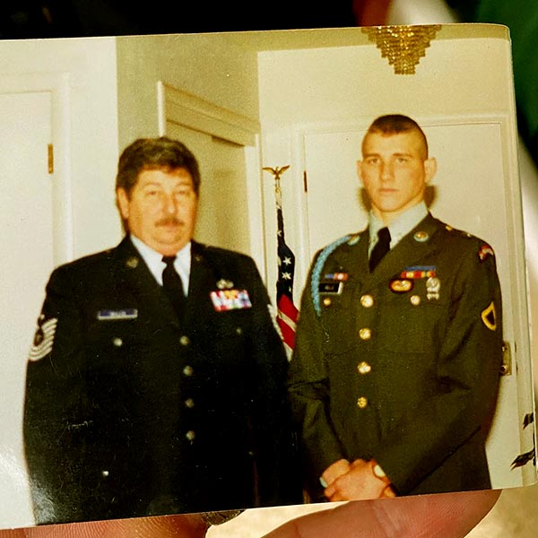 Image of Will Willis with father who was also in the military