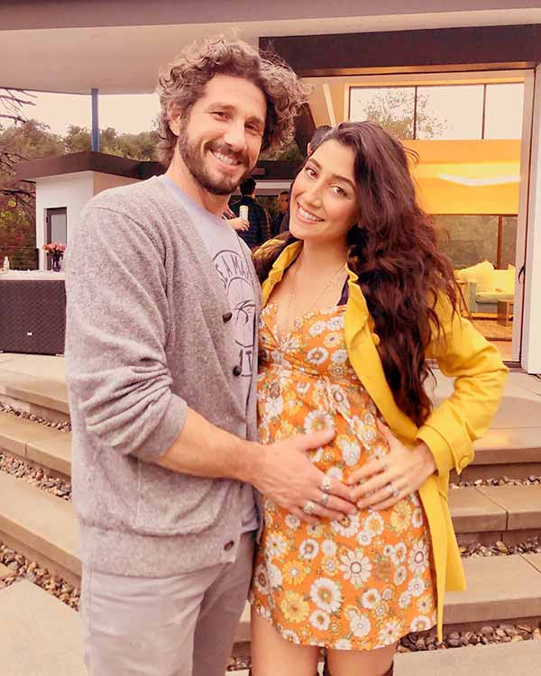 Image of Will Willis with his wife, Krystle Amina when she was pregnant